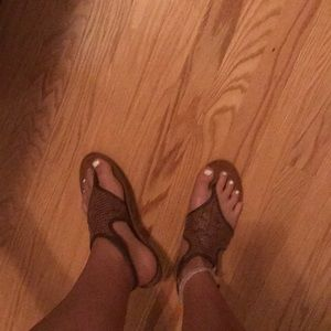 BROWN SHOES SANDALS